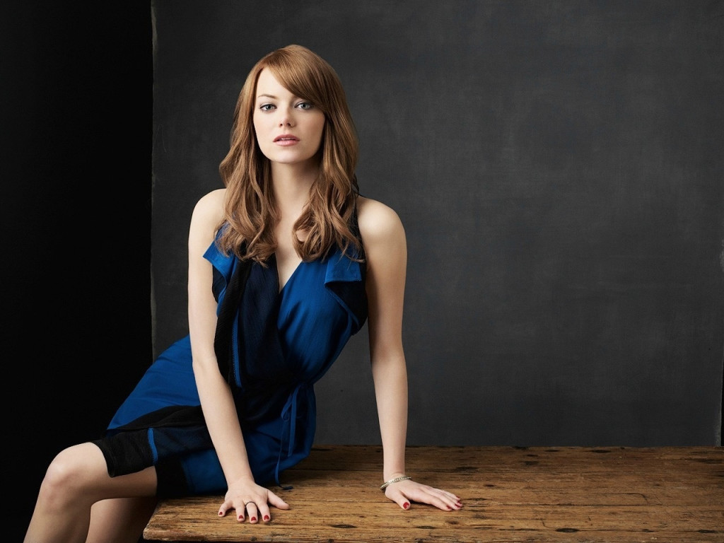 Emma Stone hot pic at digital mode